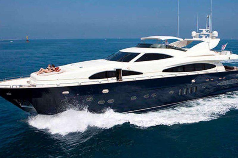 astondoa_102_glx_aurumyacht_luxury_charter (25) (Large)