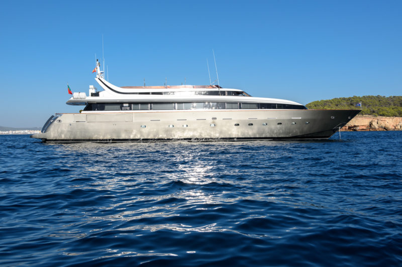 mondomarine_ocean_glass_aurumyacht_luxury_charter-5
